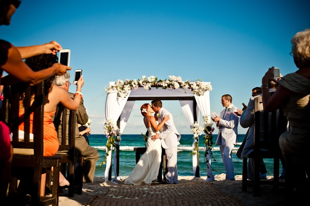 Weddings-in-playa-blue-venado-wedding-7