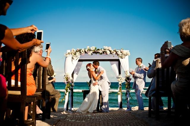 Weddings-in-playa-blue-venado-wedding-7